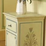 meuble peint, pochoirs