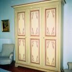 meuble peint, ornementations