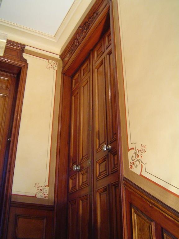 restauration dans la cage d escalier d un immeuble. Black Bedroom Furniture Sets. Home Design Ideas
