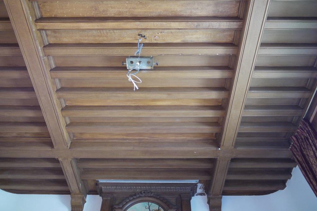 faux bois restauration d 39 un plafond de style n ogothique peintres d corateurspeintres d corateurs. Black Bedroom Furniture Sets. Home Design Ideas