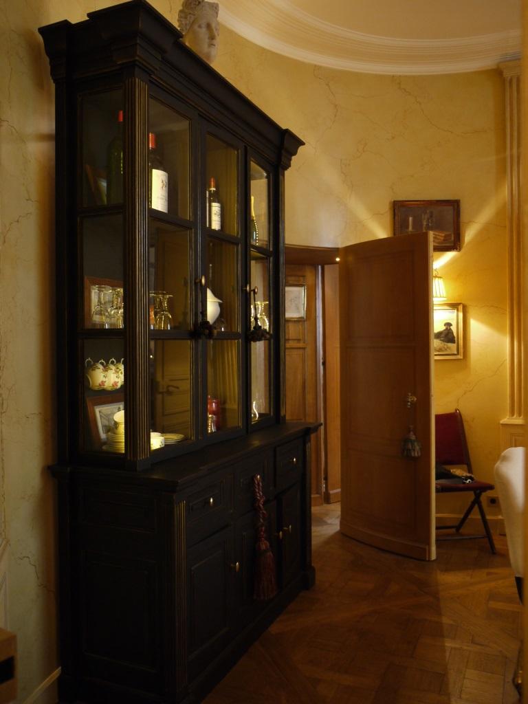 meuble ancien peint en noir commode louis xv blanche u patine with meuble ancien peint en noir. Black Bedroom Furniture Sets. Home Design Ideas