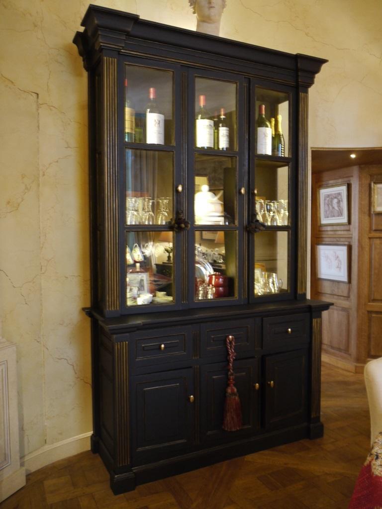 Meuble peint d cor de rehauts dor s peintres d corateurs for Decoration meuble peint