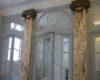 IMITATION DE MARBRE sur deux pilastres d'un portique du XIXe siècle